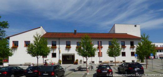 ausflugsziele-bad-birnbach-rathaus-sehenswürdigkeiten-niederbayern-bäderdreieck