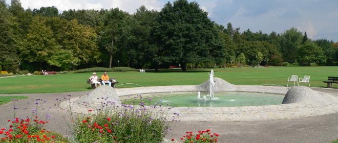 Wellness Urlaub Bäderdreieck Bad Füssing Kurpark Garten