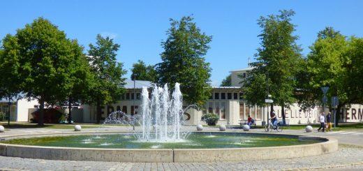 bad-füssing-therme-eins-1-niederbayern-springbrunnen-aussenansicht
