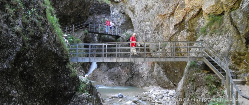 wanderung Almbachklamm Berchtesgaden Steg Brücke