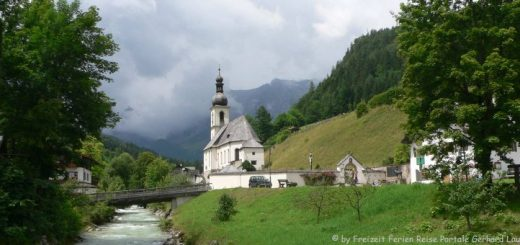 berchtesgadener-land-ramsau-bergkirche-fluss-brücke