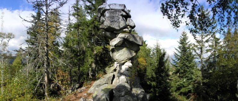 bischofsmais-teufelstisch-wanderung-felsenformation-panorama-660