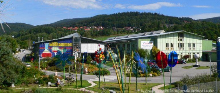 bodenmais-ausflugsziel-joska-kristall-glas-glasverkauf-fabrikverkauf-ansicht