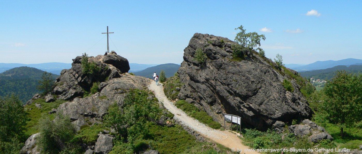sehenswürdigkeiten-bodenmais-silberberg-ausflugsziele-gipfelwanderung