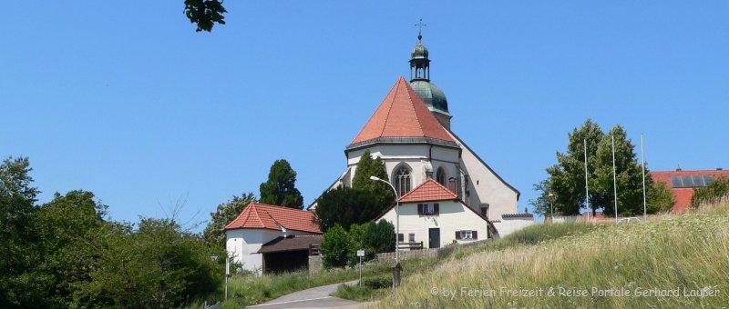 Wallfahrtskirche Bogenberg in Niederbayern Ausflugsziel bei Straubing