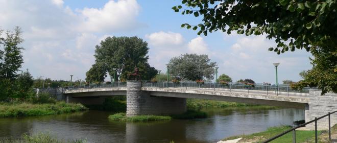 Urlaub in Ostbayern Sehenswertes in Cham Brücke Regen Fluss