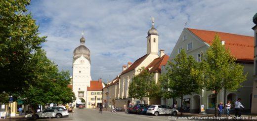 erding-sehenswürdigkeiten-oberbayern-stadtplatz-ausflugsziele-kirche