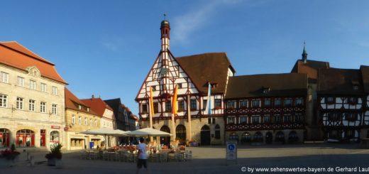 sehenswürdigkeiten-forchheim-ausflugsziele-innenstadt-rathausplatz