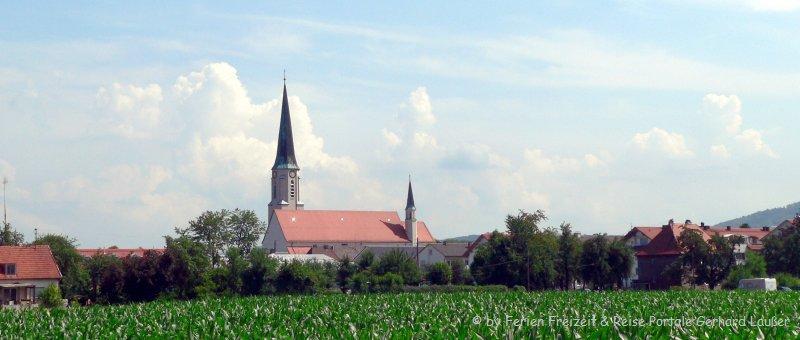 Sehenswürdigkeiten Freilassing Ausflugsziele Stadtansicht Kirche