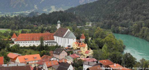 sehenswürdigkeiten-füssen-ausflugsziele-allgäu-kloster-kirche-fluss-lech-berge