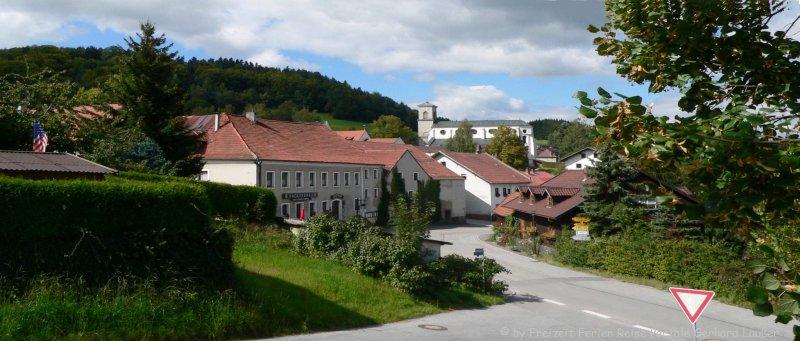 Ausflugsziel Gotteszell im Bayerischen Wald Dorfansicht Klosterkirche