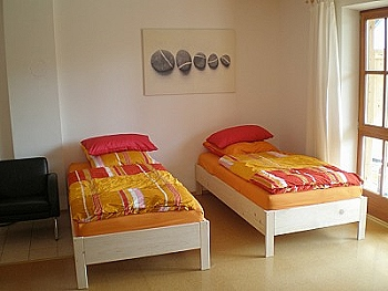 Zimmer und Ferienwohnung bei Holzkirchen und Bad Tölz Schlafzimmer