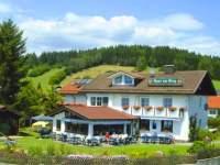 kinderfreundliche Hotels in Bayern Kinderhotel am Berg Ansicht