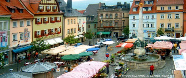 kulmbach-sehenswürdigkeiten-marktplatz-ausflugsziele-bayern-staedtereisen