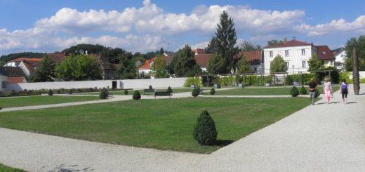 metten-ausflugsziele-deggendorf-klosteranlage-prälatengarten-park-panorama-660