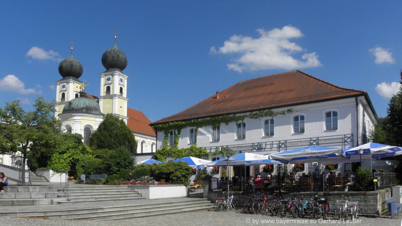 Kloster Metten In Niederbayern Sehenswurdigkeiten Pralatengarten