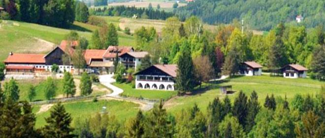 Urlaub mit Hund im Bayerischen Wald Hotel Gutshof