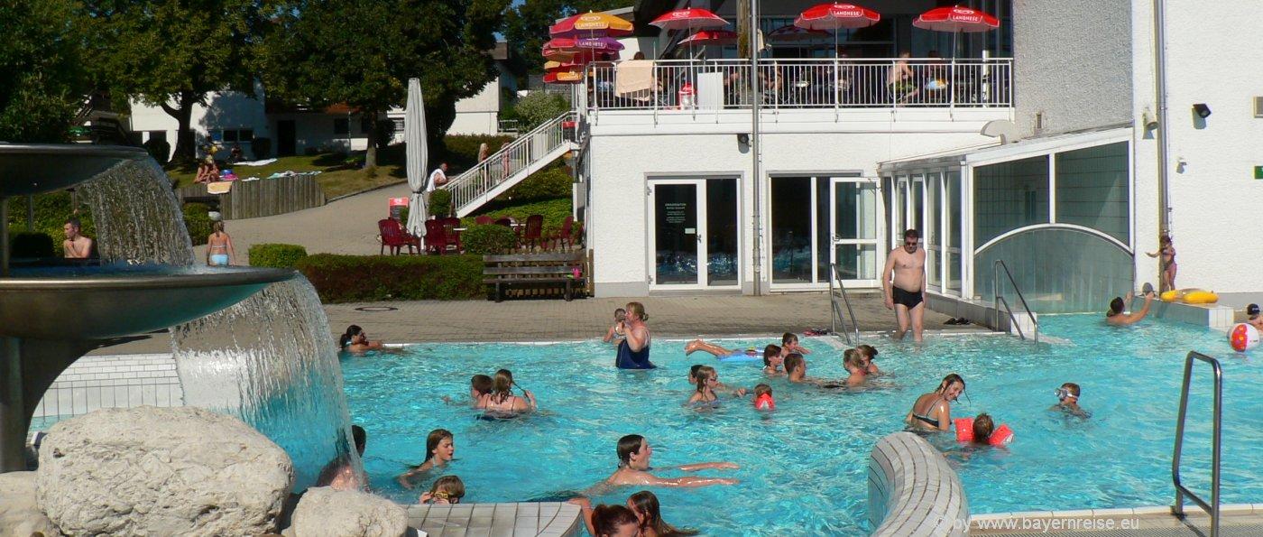 freizeitangebote-waldkirchen-karoli-badepark-erlebnisbad-bayerischer-wald