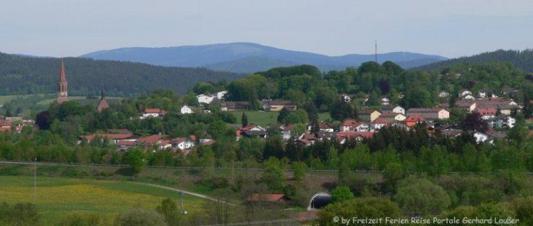 zwiesel-bayerischer-wald-stadtansicht-panorama-660